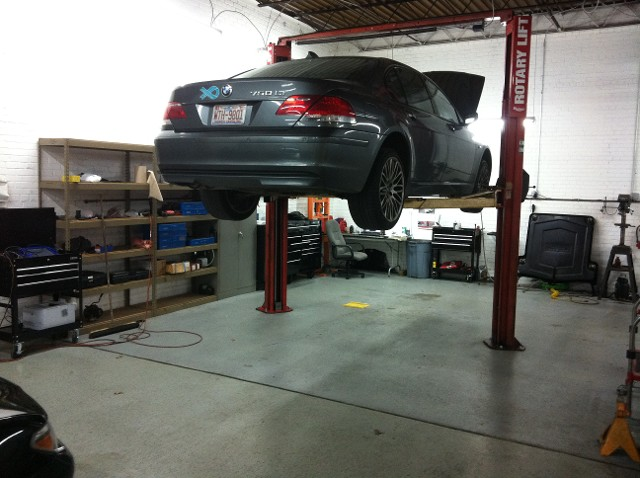 BMW 7 Series on Lift